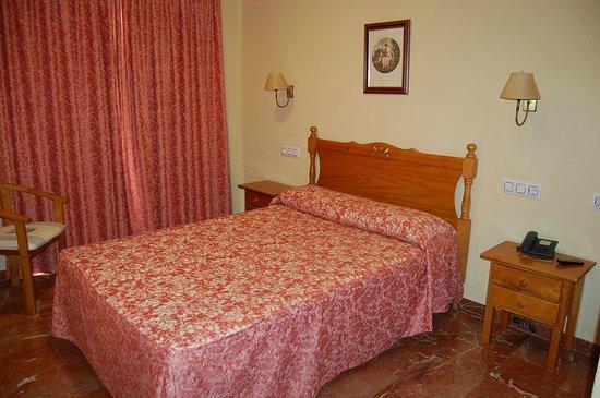 Hotel Albohera: Habitacion matrimonio