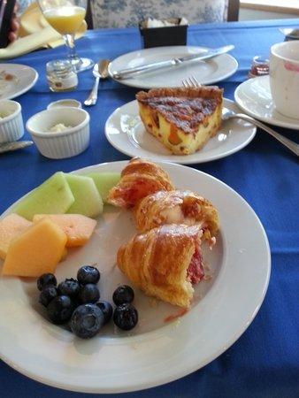Wedmore Place: Great Breakfast!