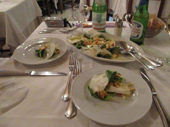 Antica Trattoria Tritone : 店員に勧められたキノコのサラダ
