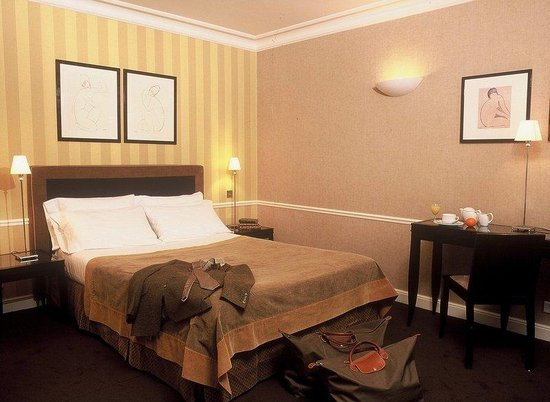 Victoires Opera Hotel: Guest Room