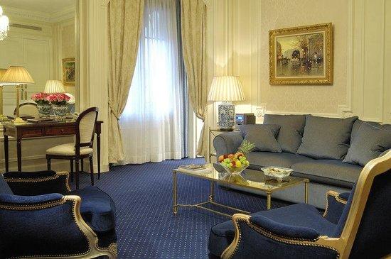 Hotel Westminster: Salon of a Vendome Suite