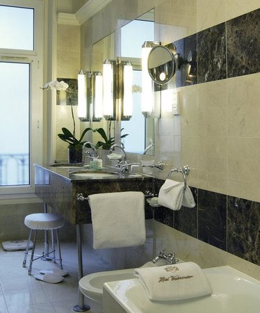 Hotel Westminster: Marble Bathroom