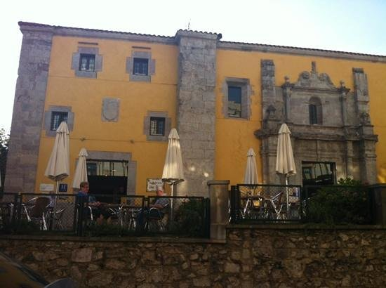 Hotel Don Paco: Fachada principal del hotel