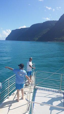 Kauai Sea Tours : My pops! The ocean was so blue!