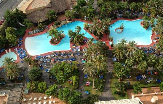 Melia Benidorm: Pool view from balcony
