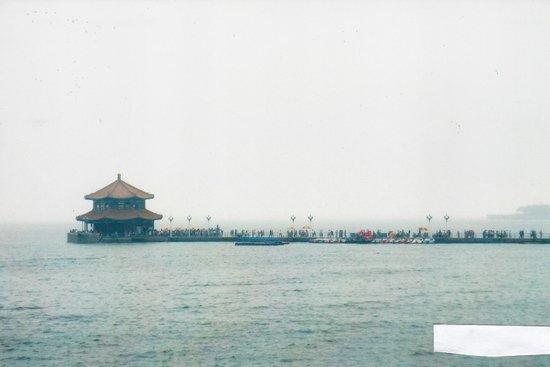 Zhanqiao Pier: The pagoda