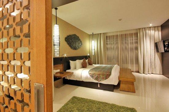 VOUK Hotel & Suites: Suite Room