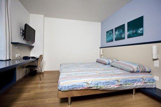 Bristol Hotel Zürich: Double Room Standard