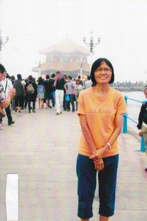 Zhanqiao Pier: Me and the pagoda