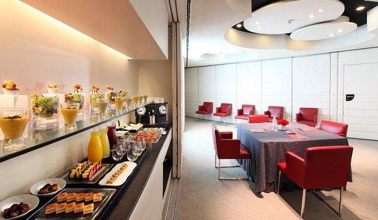 Hotel Cram: Breakfast Room