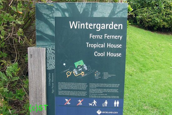 Auckland Domain: Sign