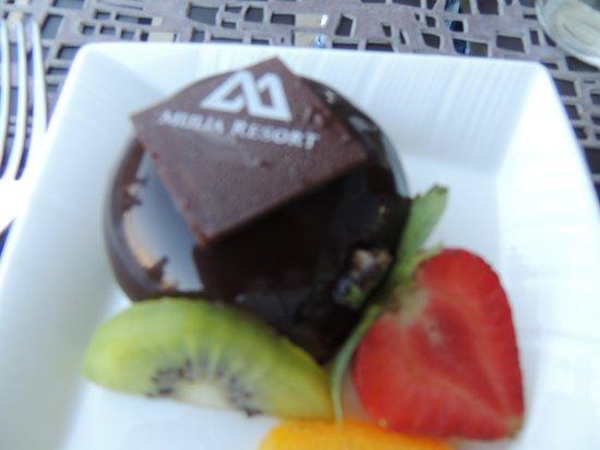 The Mulia: 私は毎日コレ!!チョコレート・ケーキです