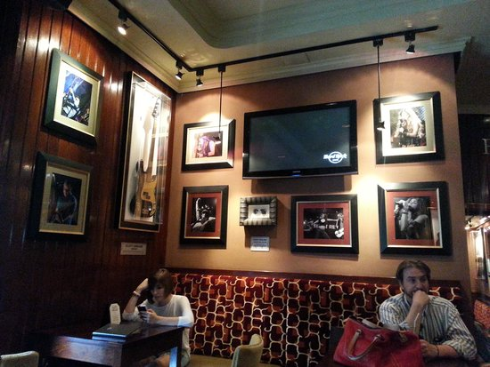 Hard Rock Cafe : local 3