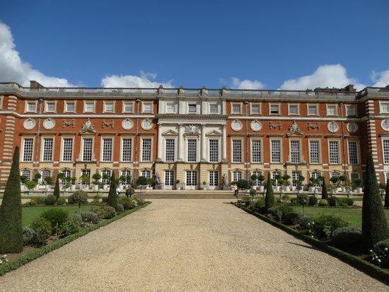 Hampton Court Palace: Hampton Court 01