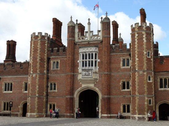 Hampton Court Palace: Hampton Court 02