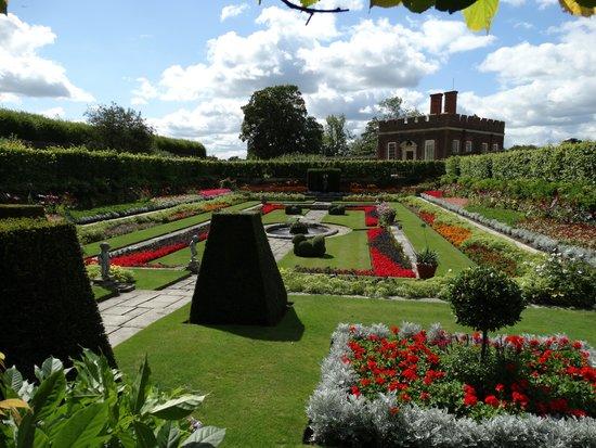Hampton Court Palace: Hampton Court 03