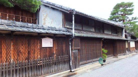 Shimmachi Street: 商家の町並み