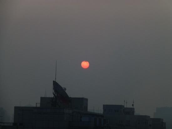 Sunworld Hotel Beijing: Sunrise from our room.