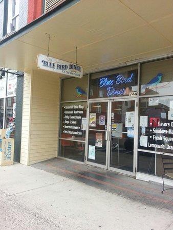 Bluebird Diner: Wheres Thelma Lou?