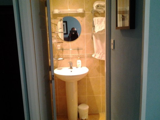 Mariners Guesthouse : Ensuite bathroom