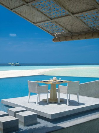 Four Seasons Resort Maldives at Landaa Giraavaru: MLG Restaurant2