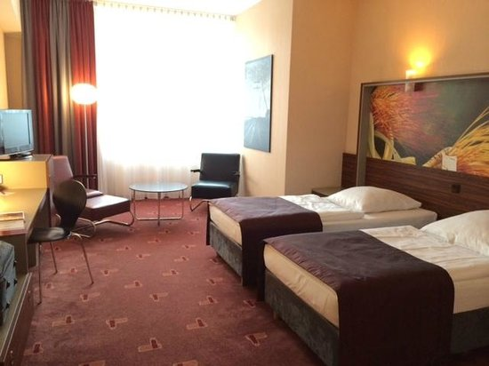AZIMUT Hotel Cologne : Twin Room
