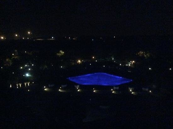 Taj Palace Hotel: view at night