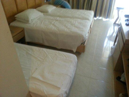 SunConnect Kolymbia Star: Bedroom from doorway