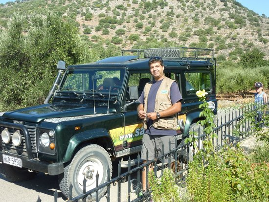 Safari Club Crete: Christos and our landrover for the day