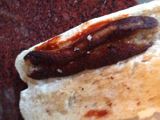 Cap'n Jaspers: This is a sausage baguette....they got my order wrong and then charged me £2.70 for a burnt saus