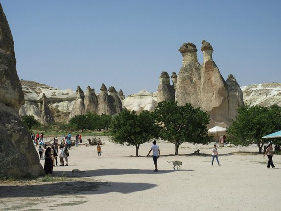 Sultan Cave Suites: Fairy Chimneys attraction near by