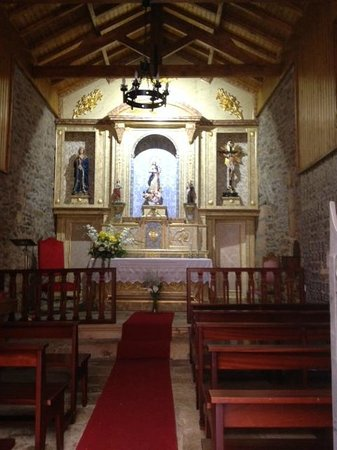 Casa da Farmacia: Inside the little chapel near hotel