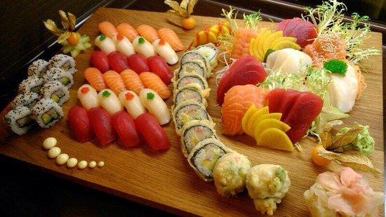 Akiko Sushi Bar