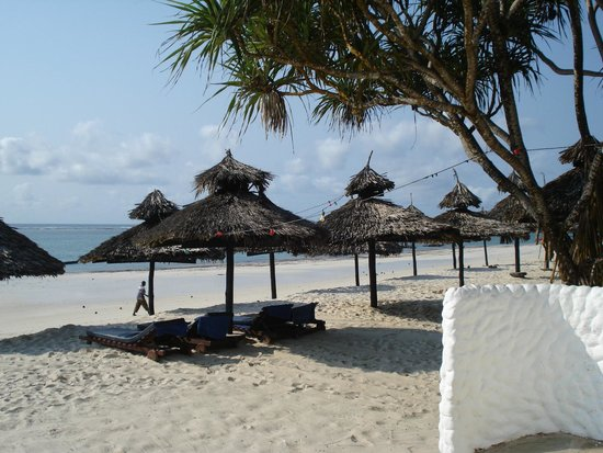 Southern Palms Beach Resort : The beautiful and very quiet beach