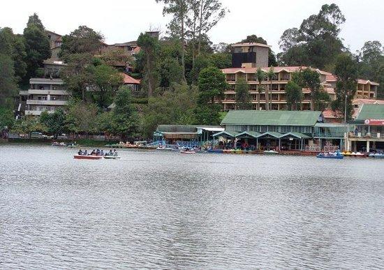 Kodaikanal Lake : 天候が良くないため、ボート利用者が少ない