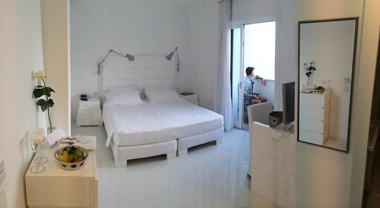 Casa Angelina: wide angle shot of our room
