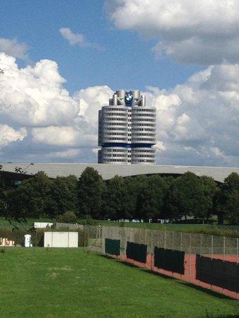 Olympiapark: BMW
