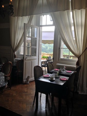 Chateau Les Roches: dining/breakfast room