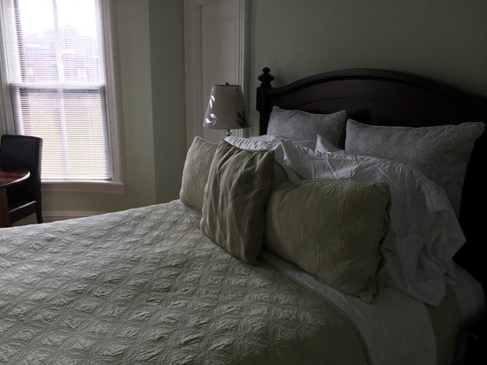 The Gilded Lily : Chambre