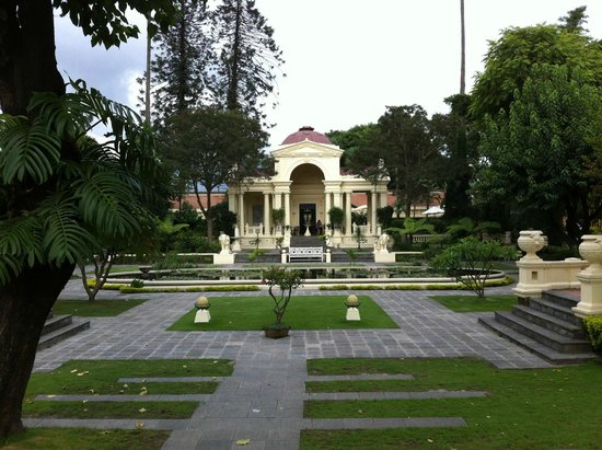 Garden of Dreams : centre of the garden