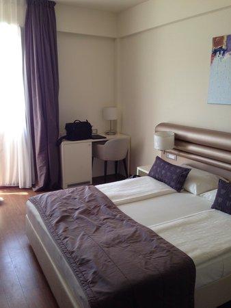 Hotel Korkyra : Stanza con terrazzino