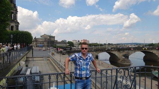Elbufer Dresden: )