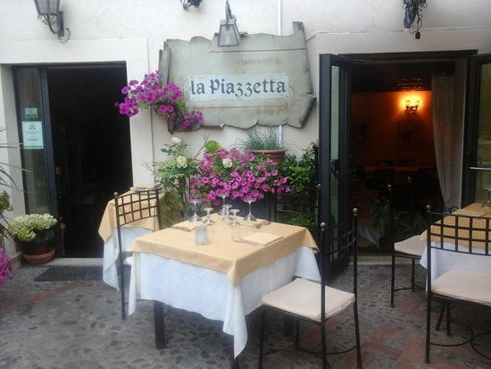 Photo of Italian Restaurant La Piazzetta at Vico Francesco Paladini 5/7, Taormina 98039, Italy