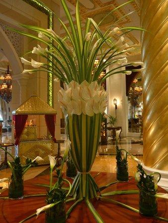 Jumeirah Zabeel Saray: The hotel lobby