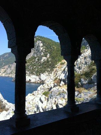 San Pietro Church : Il mare dalle logge della Chiesa di San Pietro a Porto Venere