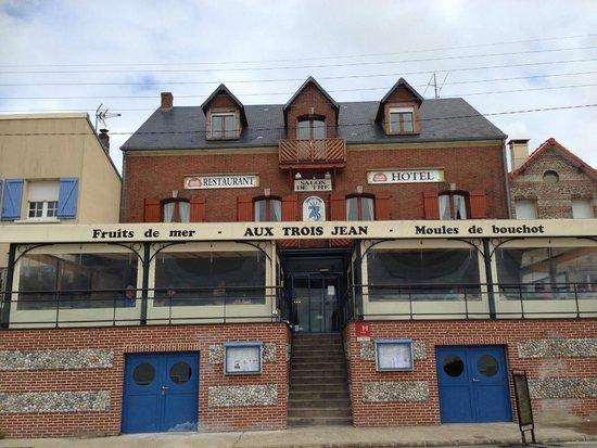 Aux 3 Jean : restaurant face à la mer