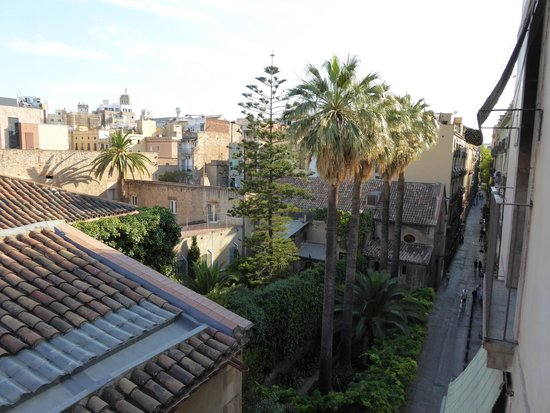 Casa Camper Hotel Barcelona: View from the lounge room