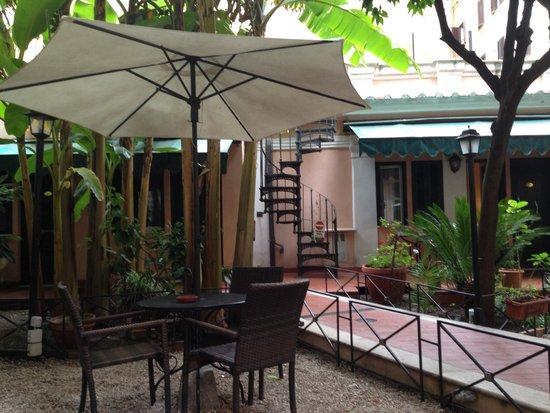 Astoria Garden: Garten