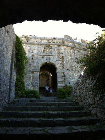 Scorcio del Castello Doria a Porto Venere