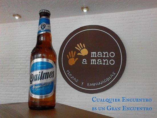 Mano a Mano Pizzeria y Empanadillería: Cerveza Quilmes en Mano a Mano